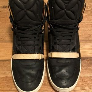 LV sneakers leather size 40